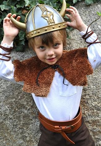 los mejores disfraces caseros niño vikingo