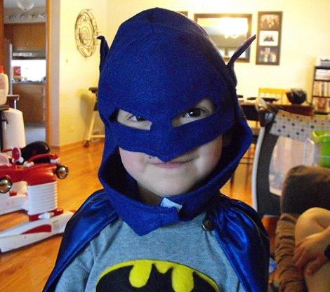 hacer un disfraz casero de batman capa