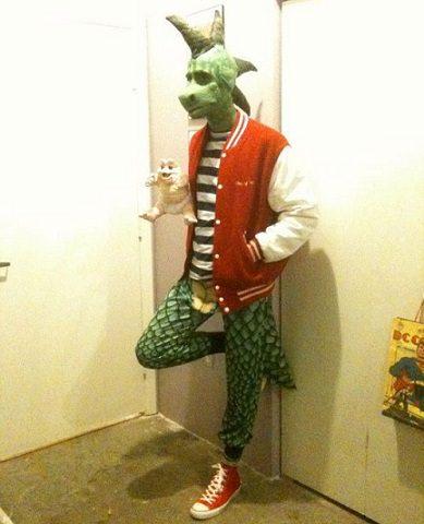 disfraz casero de la serie dinosaurios