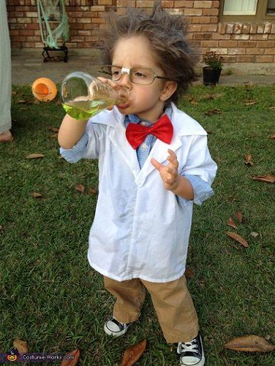 disfraz reciclado de científico loco para halloween