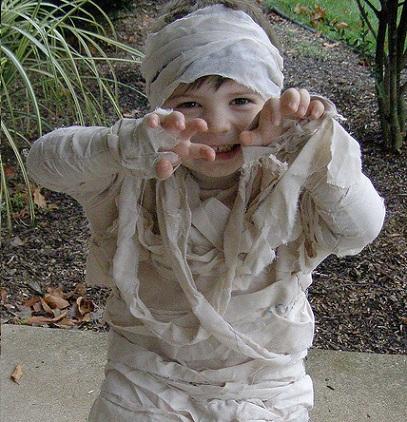 disfraz halloween niño casero momia