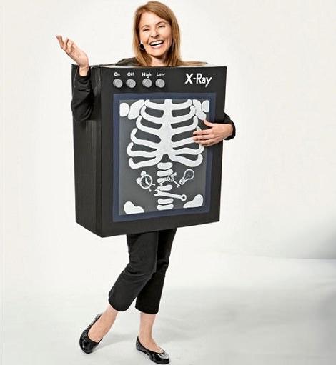 disfraz hecho a mano de máquina de rayos x para halloween
