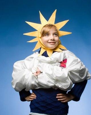 disfraz de papel de sol y nubes