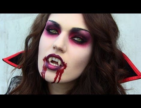 maquillaje y disfraz de vampiresa
